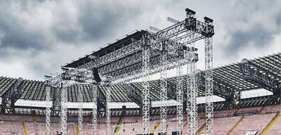 Inject your live events with the MyT Folding Steroid Roof System!
